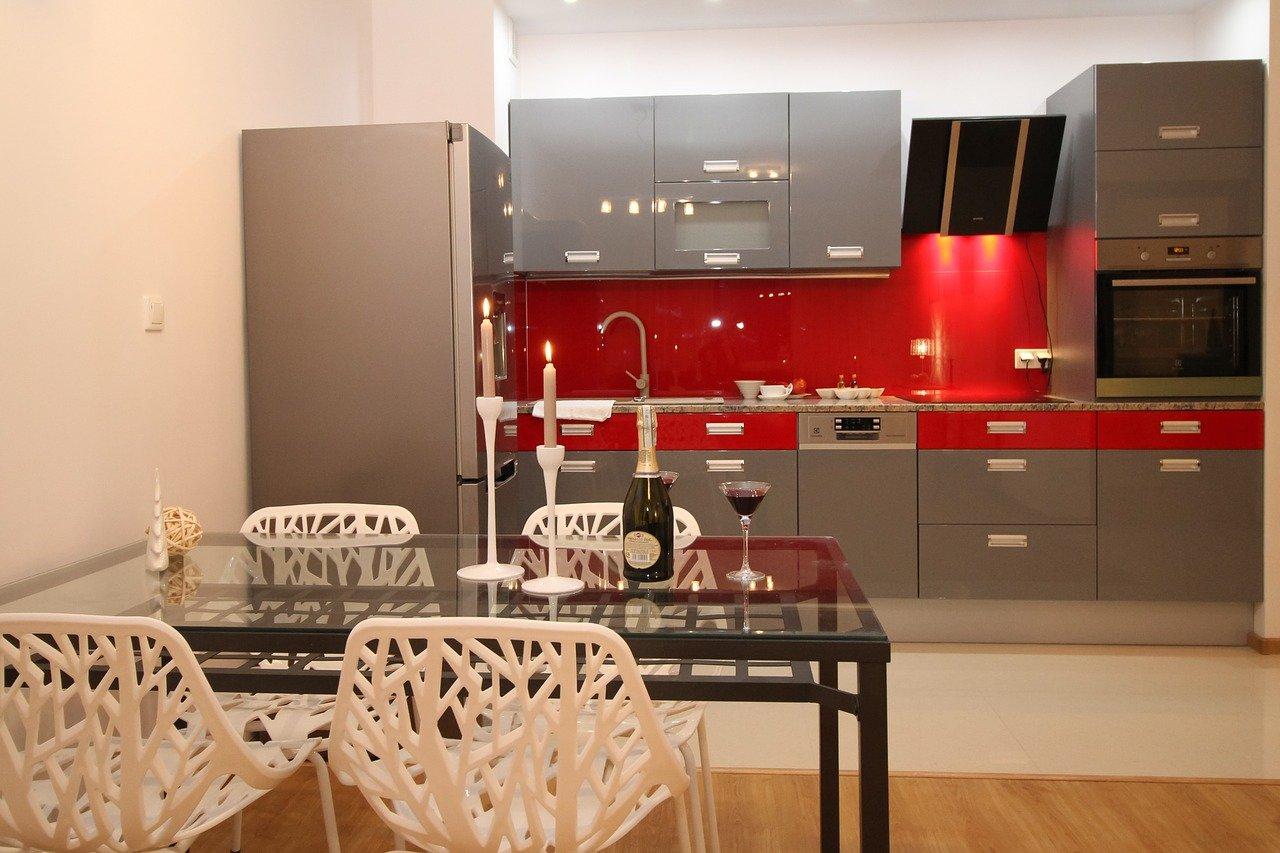 cocina-gris-y-roja-mykitchen